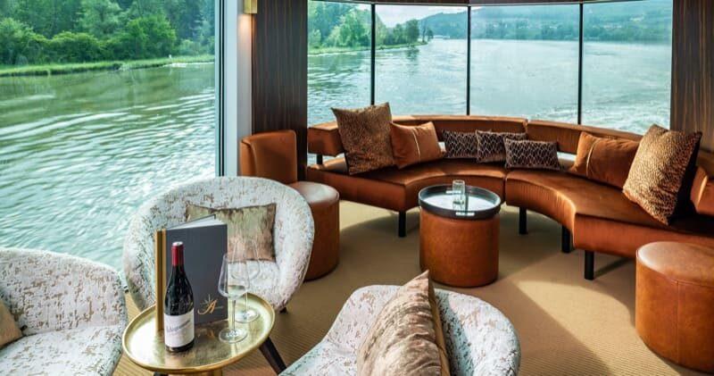 Amadeus Star Lounge