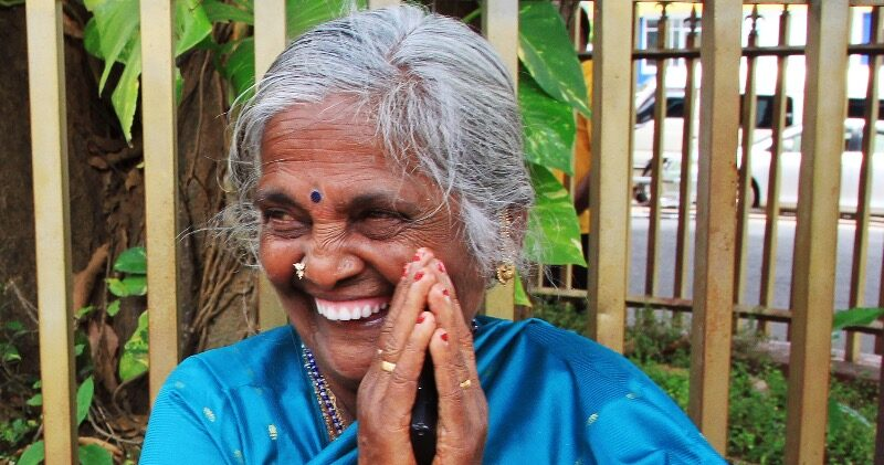 Sri Lanka lachende Frau